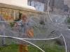 accrochage des oeuvres des artuelistes sur la structure XXIeme siècle biennale de lyon image 2.jpg