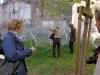 accrochage des oeuvres des artuelistes sur la structure XXIeme siècle biennale de lyon image 3.jpg